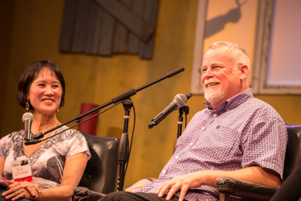 Tess Gerritsen and Michael Connelly. Photo by Nick Doll.
