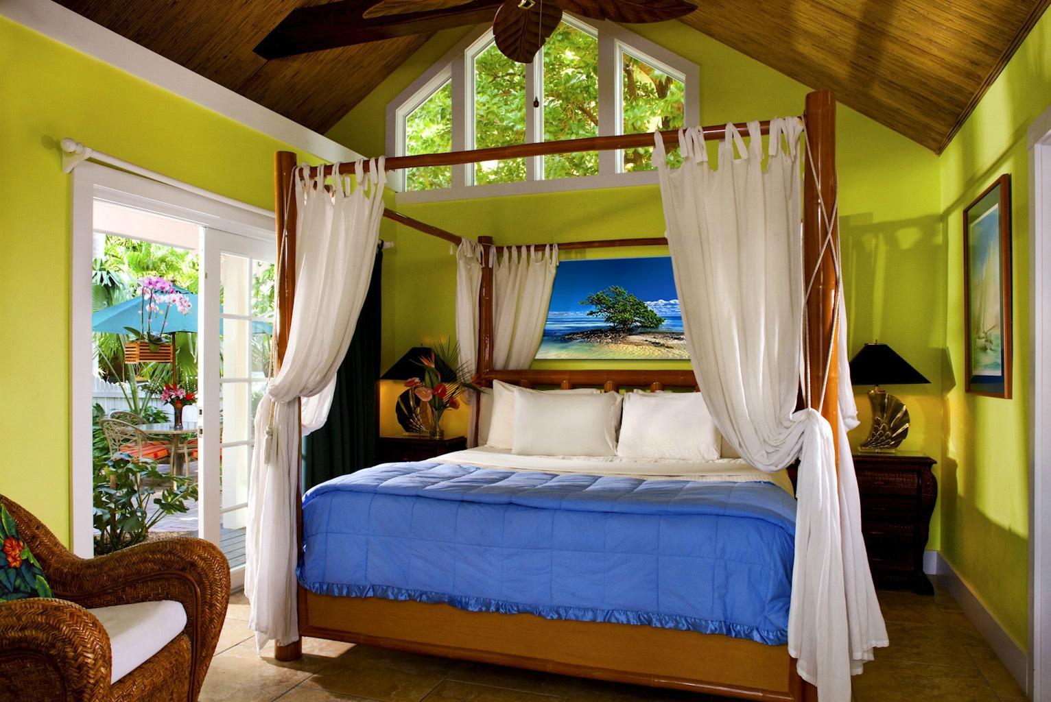 tropical inn